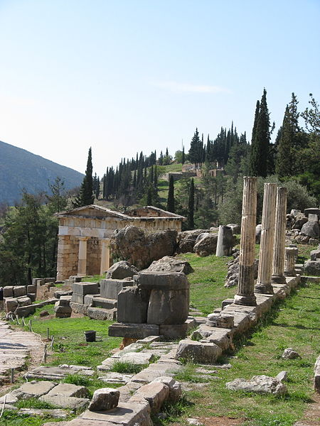 Apollo's Temple at Delphi, Greece.Wikipedia